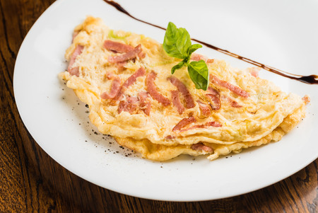 omelet with sausage