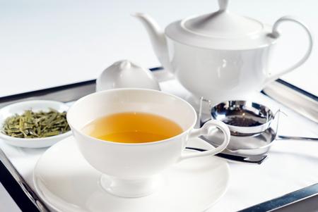カップの中の緑茶