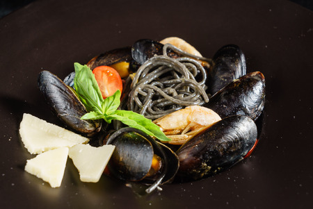 spaghetti with mussels