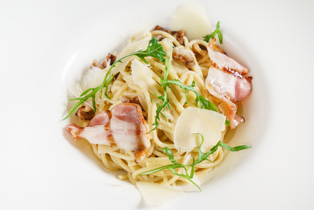 spaghetti with chicken and bacon