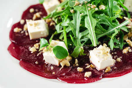 beetroot carpaccio with feta cheese Imagens