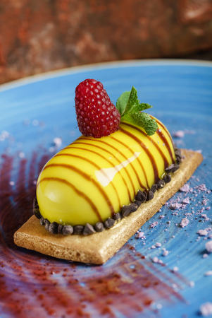 Frans dessert met frambozen