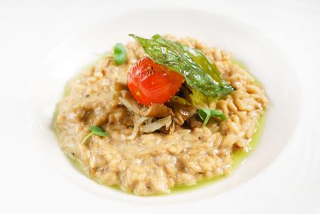 버섯과 함께하는 이탈리아 리조또 스톡 콘텐츠