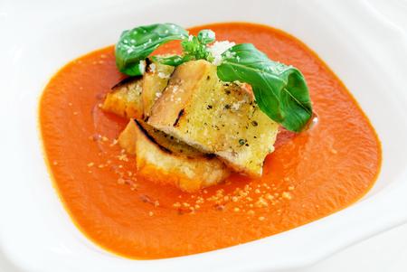 バジルのトマトスープ