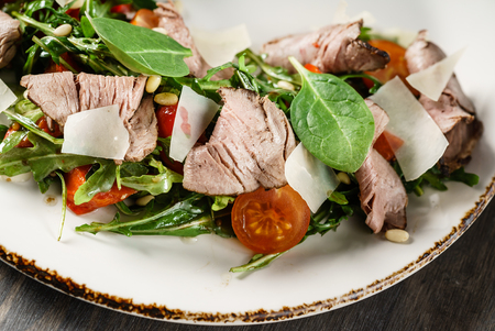salad with veal Imagens - 98170870
