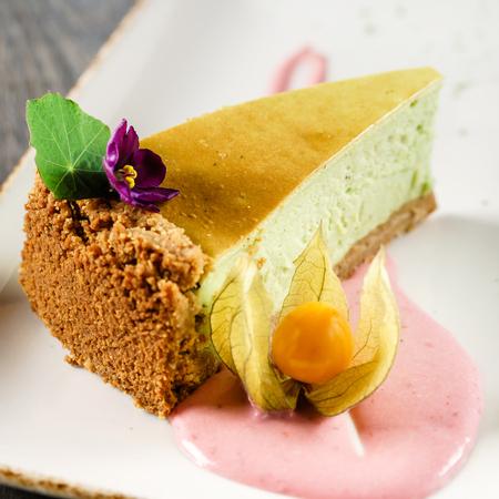 matcha cheesecake with sauce