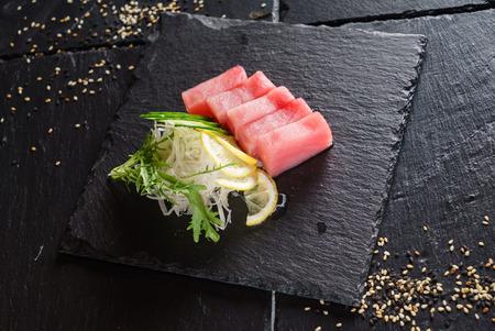 tuna sashimi with salad