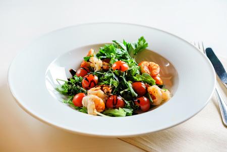 Salade de crevettes Banque d'images - 99579387