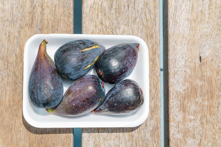 fresh figs for snack