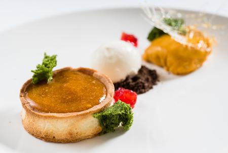 tart with ice cream