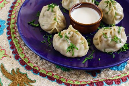 Dumplings, Manti - traditional meat dish of Central Asia, Turkey, Mongolia, Korea Фото со стока - 100800798