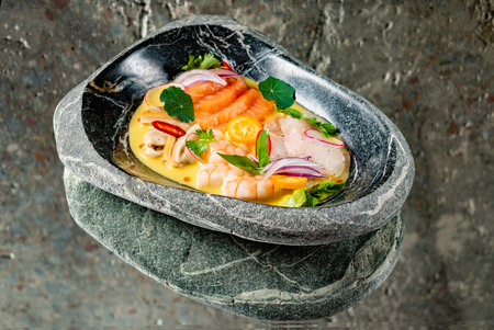 seafood sevice with mango sauce