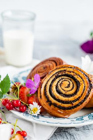 freshly baked cinnamon rolls Stock Photo - 104866822
