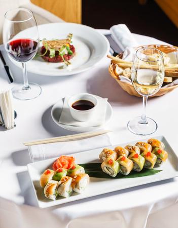 set of sushi Imagens - 107188513