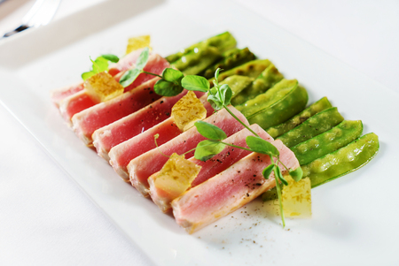 tuna with young peas 版權商用圖片