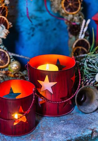 Christmas candles with stars 版權商用圖片 - 111916839