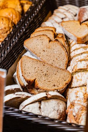 bread in basket Stockfoto