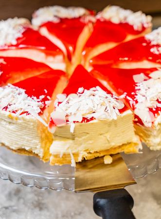 cake in the cafe Standard-Bild - 111917367
