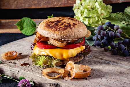 burger with cheese 版權商用圖片
