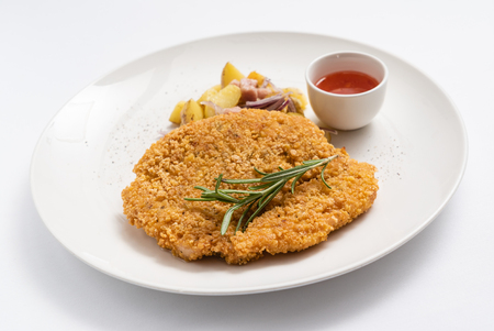 typical austrian viennese Schnitzel Banque d'images - 112539425