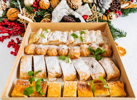 Christmas sweets in the box 版權商用圖片