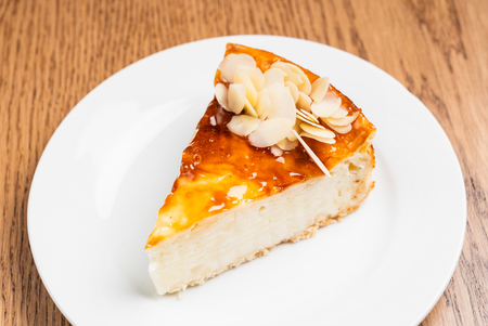 cheesecake with almond Stockfoto