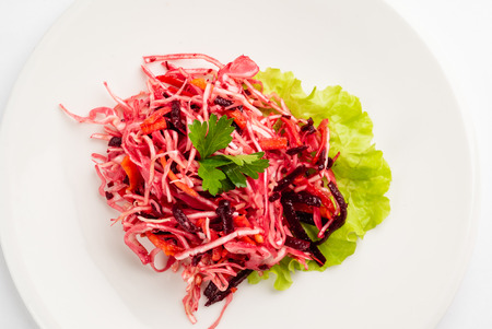 cabbage salad with beetroot