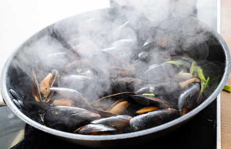 Mussels on the pan