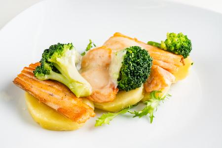 saumon rôti aux légumes