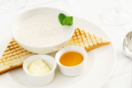 Porridge with butter and honey