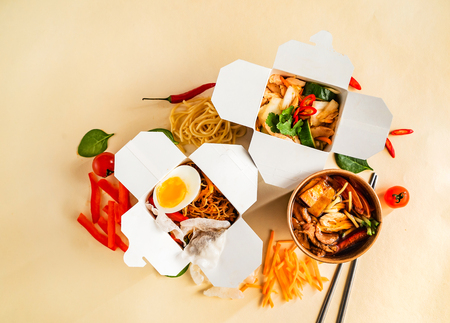 Take-out noodle box