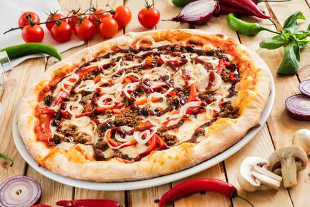 tasty italian pizza with fresh ingredients 版權商用圖片