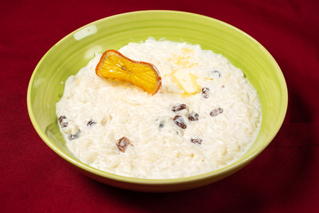 Rice pudding with raisins and butter 版權商用圖片