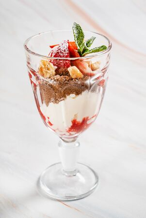 Summer dessert with strawberries and chocolate 스톡 콘텐츠