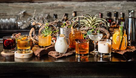 creative cocktail in the bar 免版税图像