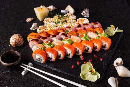 sushi set on the black background 写真素材 - 129455901