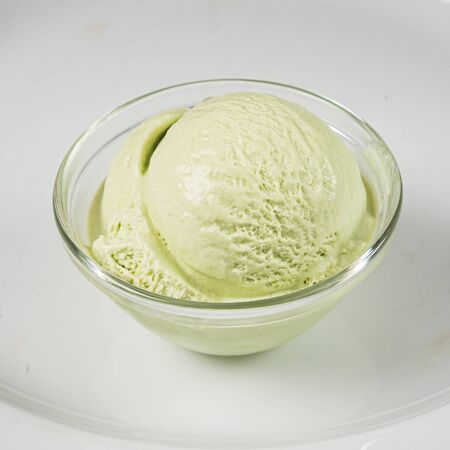 ice cream ball in the bowl