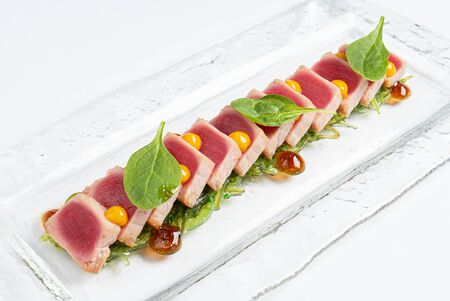 sliced steak fof tuna with sauce