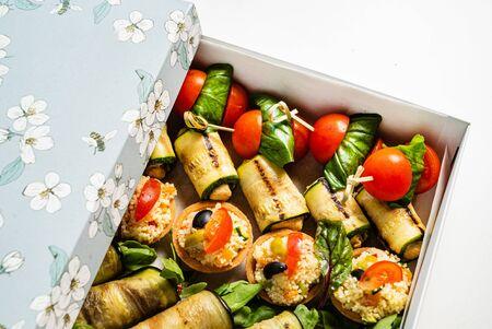 tasty appetizers in the box 版權商用圖片