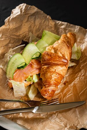 croissant with salted salmon and cucumber 스톡 콘텐츠