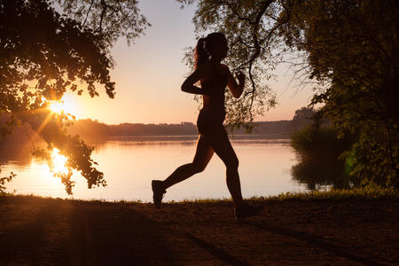 sportingly: Runner - running woman, a lifestyle