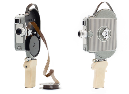 Old movie camera - silver > Isolated old cine camera - silver