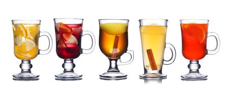 vin chaud: Collection de cocktails de No�l isol� sur blanc