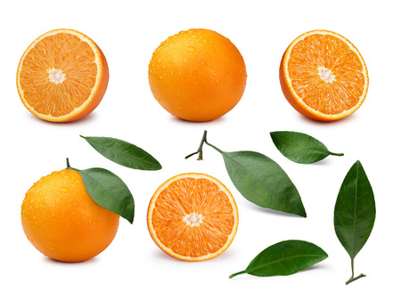 Set of whole and halved oranges with  leaves. Infinite depth of field  Stockfoto