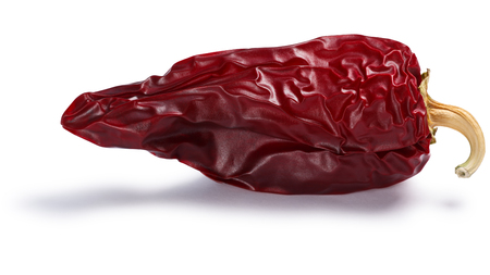 Chile seco del norte, a ripe dried Anaheim pepper. Clipping paths, shadows separated Фото со стока - 80470180