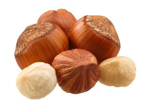 Noisettes (graines de Corylus avellana) décortiquées, amandes entières, en coque, décortiquées Banque d'images