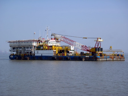 barge: Offshore support barge