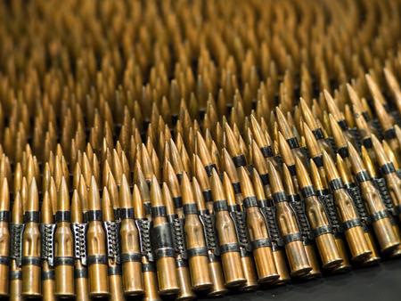 machine-gun: 7.62mm trainen kogels in machine-gun riem