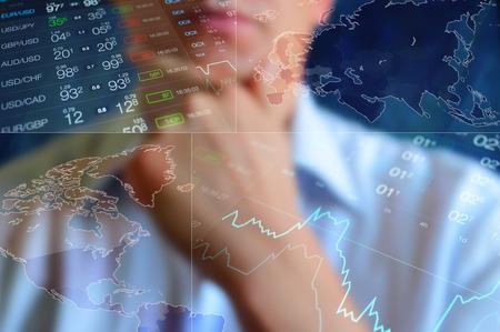 De achtergrond van financiën, het bedrijfsleven collage. Abstracte lichte finance achtergrond: zakenman, wereldkaart, forex data en grafiek. Munt prijs op de Forex. Finance behang, financiën collage. Global finance Stockfoto
