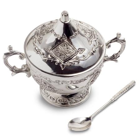 santa cena: bol taza viejo vintage con masa de medieval aislado sobre fondo blanco